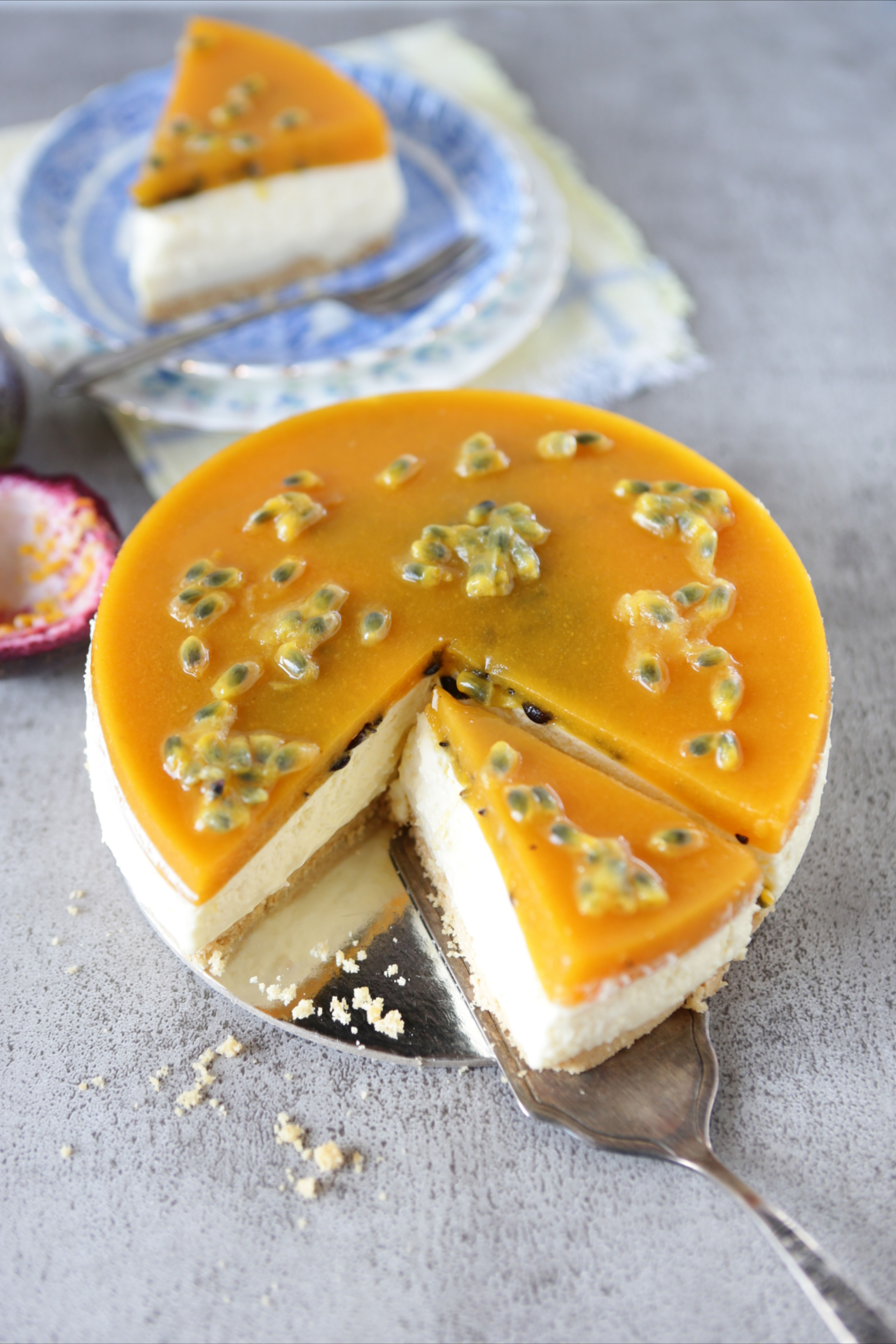 Passionfruit Cheesecake in 2020 Delicious desserts, Nice
