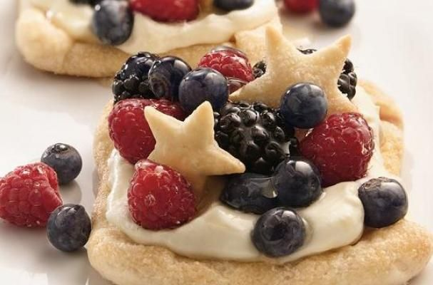 Foodista | Celebratory Berry Lemon Cheesecake Squares