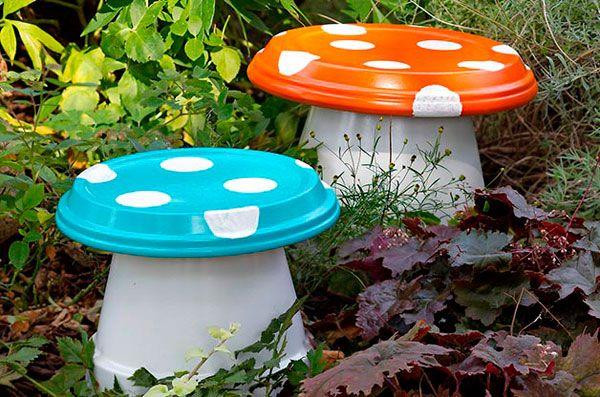 Decorar el jard n con setas hechas con macetas diy ideas for Setas jardin
