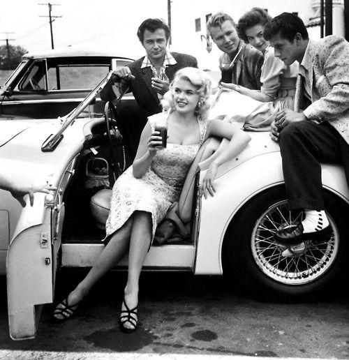 13 Jun 1955, Los Angeles - Jayne Mansfield (seated in car), John Smith, Natalie Wood