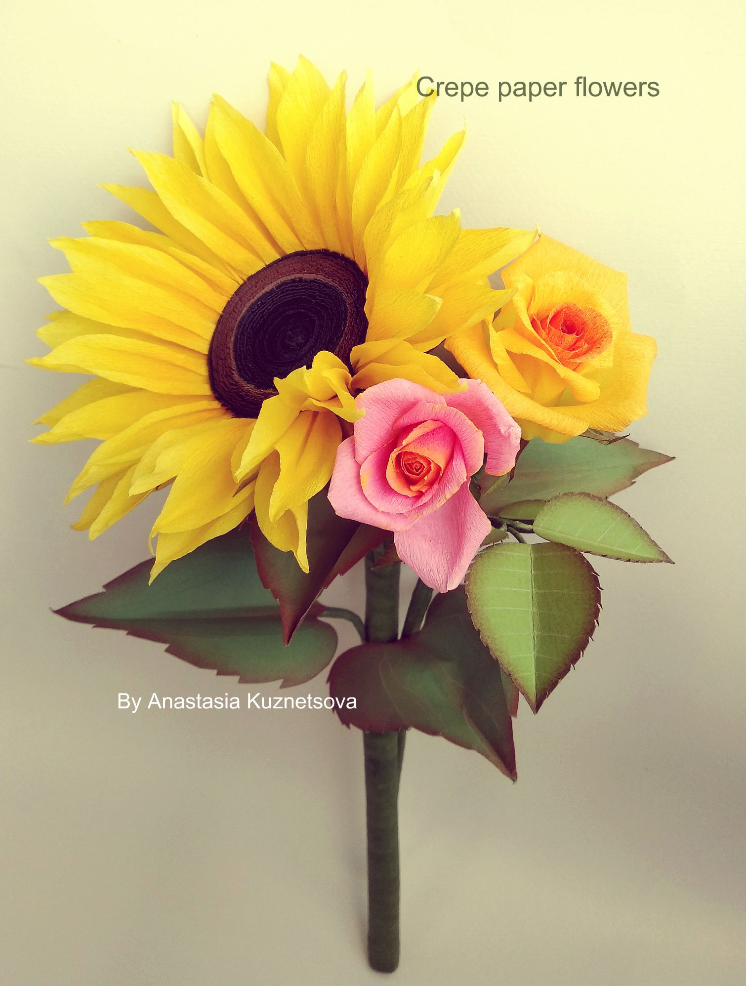 Crepe paper flowers paper sunflower and rose tutorials Flores de