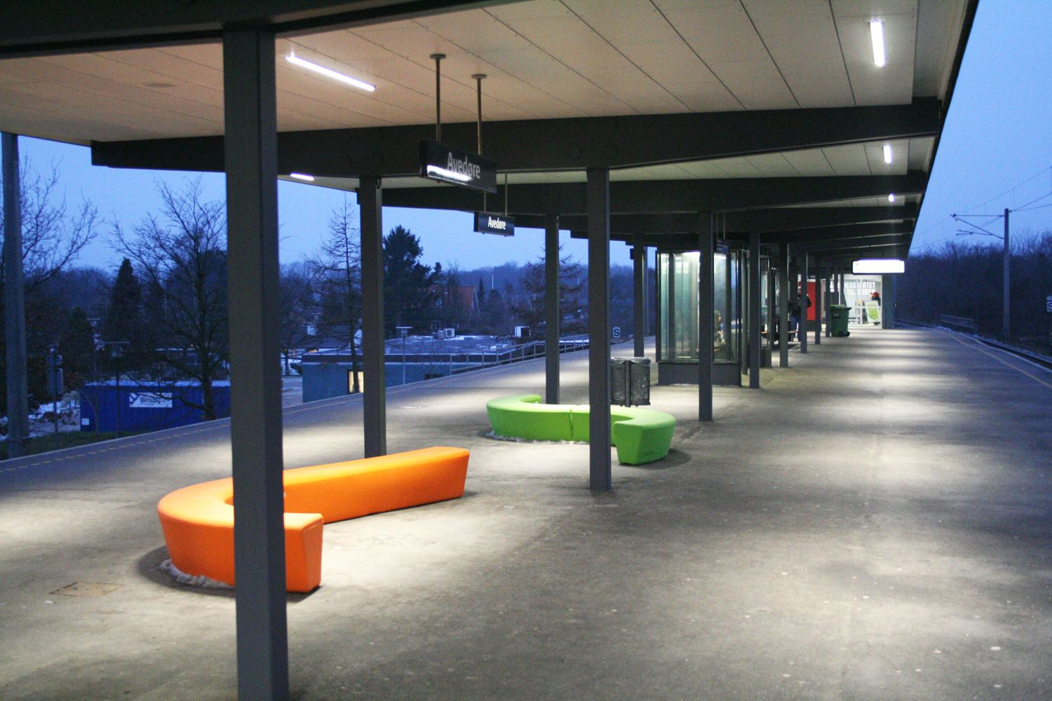 Fabricant Mobilier Urbain Colorful Benches Loop Arc Loop Line Concept Urbain