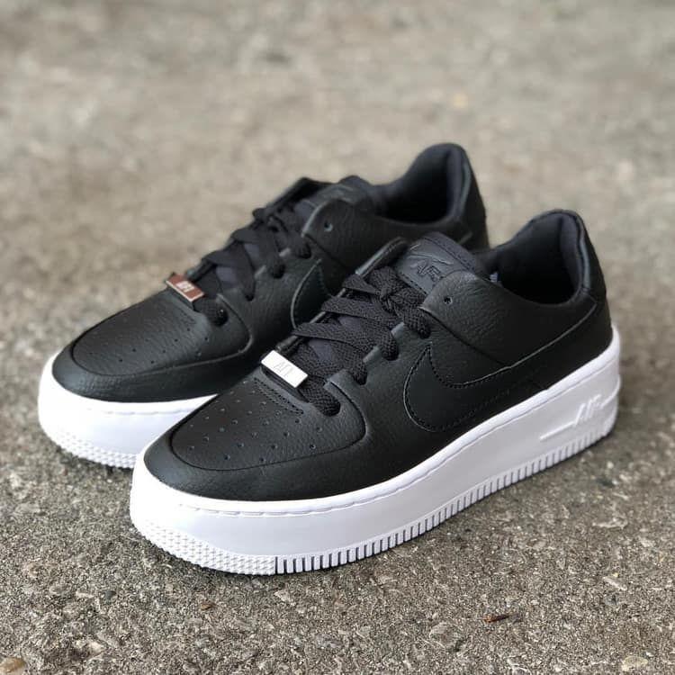 Shop The Latest Nike Sneakers From Air Force 1 To Air Huarache Nike Cortez And Air Ma En 2020 Zapatos Nike Zapatillas Hombre Moda Zapatos Deportivos De Moda