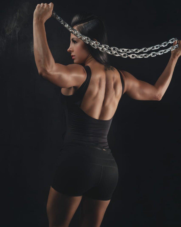 Tienes todo el poder q necesitas dentro de ti mismo daviddiaz1020 #fitnessphotos #arte #fitnessgirl...