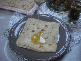 Operación Pastelito:: Msemen o rghayef ( crepes marroquies hojaldrados) con miel y mantequilla