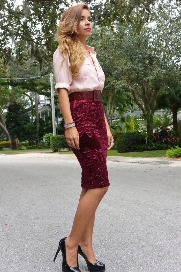 22ddd7b62f7716 BURGUNDY VELVET PENCIL SKIRT HOLIDAY OUTFIT | Classy