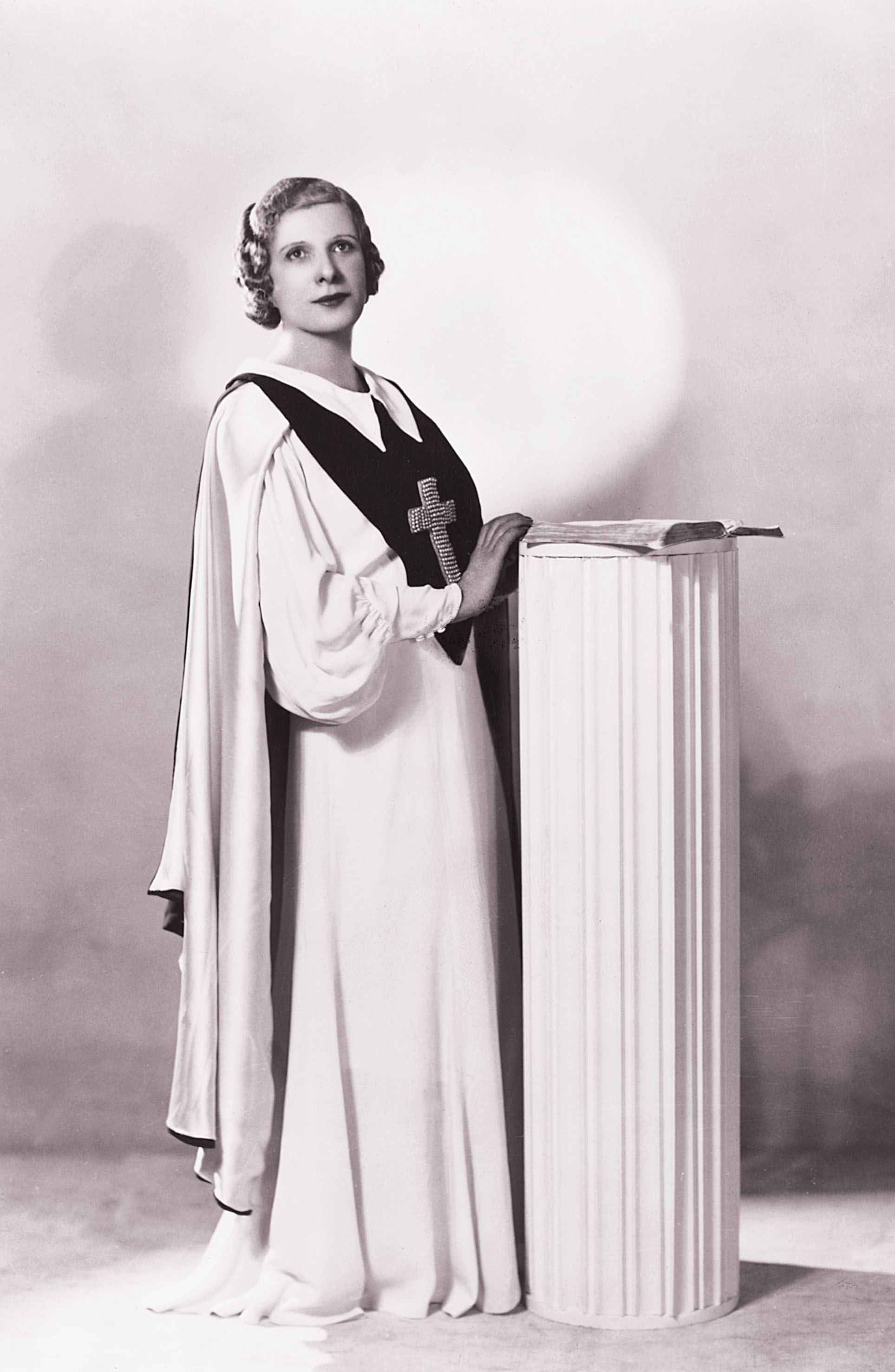 Aimee Semple Mcpherson The Founder Of The Foursquare Church A