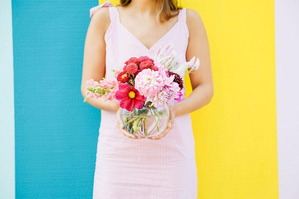 How To Keep Flowers Fresh Hacks To Make Them Last Longer Flowers Last Longer Flower Arrangements Flowers