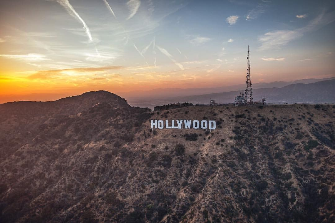 The Hollywood Experience . @losangelesaerial #discoverla #copterpilot #losangelesaerial @discoverla #flywithcopterpilot #hollywoodsign #hollywood #lacity #lostinla #aerial By @dtlajay (at Los Angeles, California)