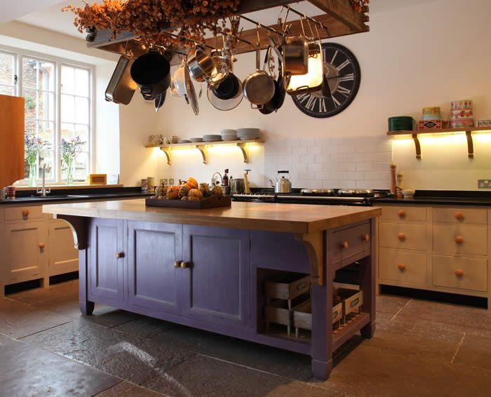 21 splendid kitchen island ideas traditional stylestraditional kitchensrustic kitchen islandfreestanding - Free Standing Islands For Kitchens