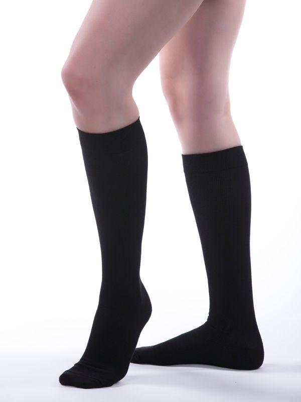 02d57b42a3 Allegro Premium - Italian Cotton Compression Socks in Black - Provides 20-25  mmHg of gradient compression to help improve blood flow, prevent minor  ankle, ...