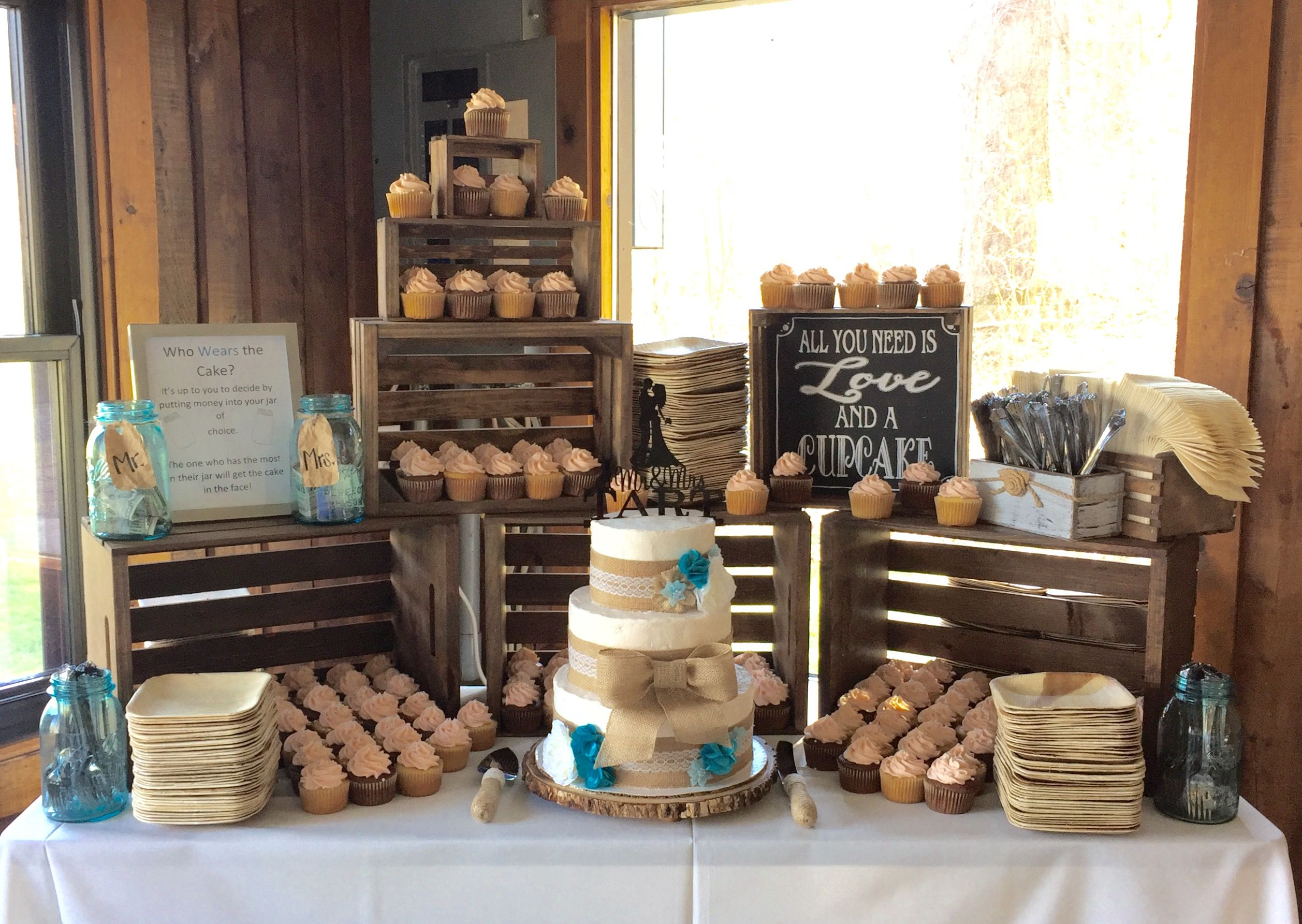 Rustic wedding cake and cupcakes My Cakes Pinterest