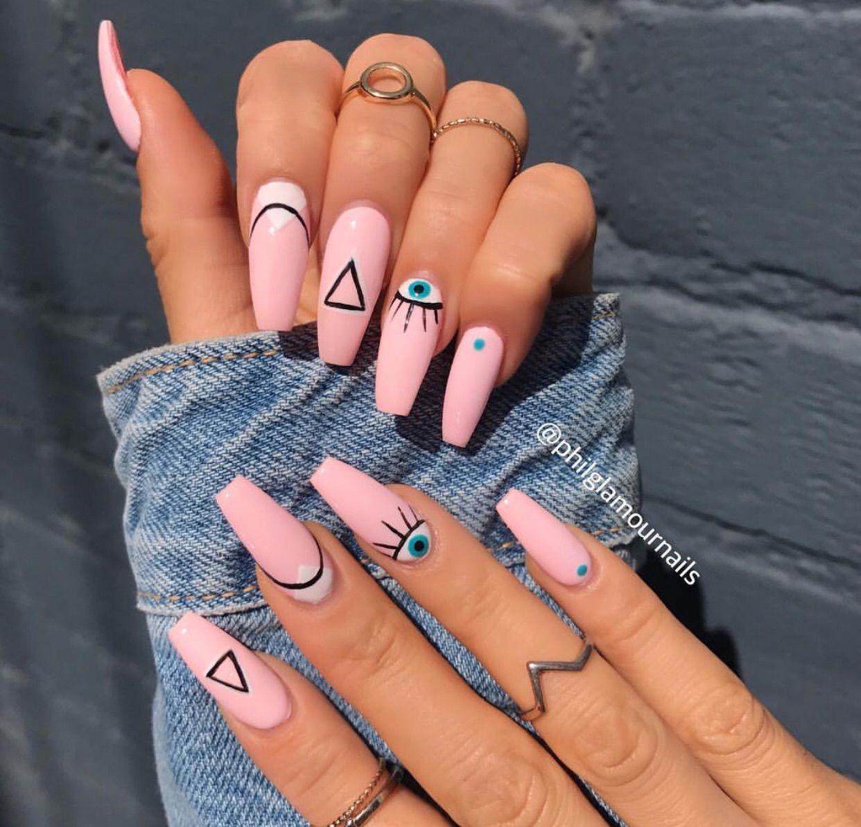 Diseños de uñas de tienes que practicar esta cuare