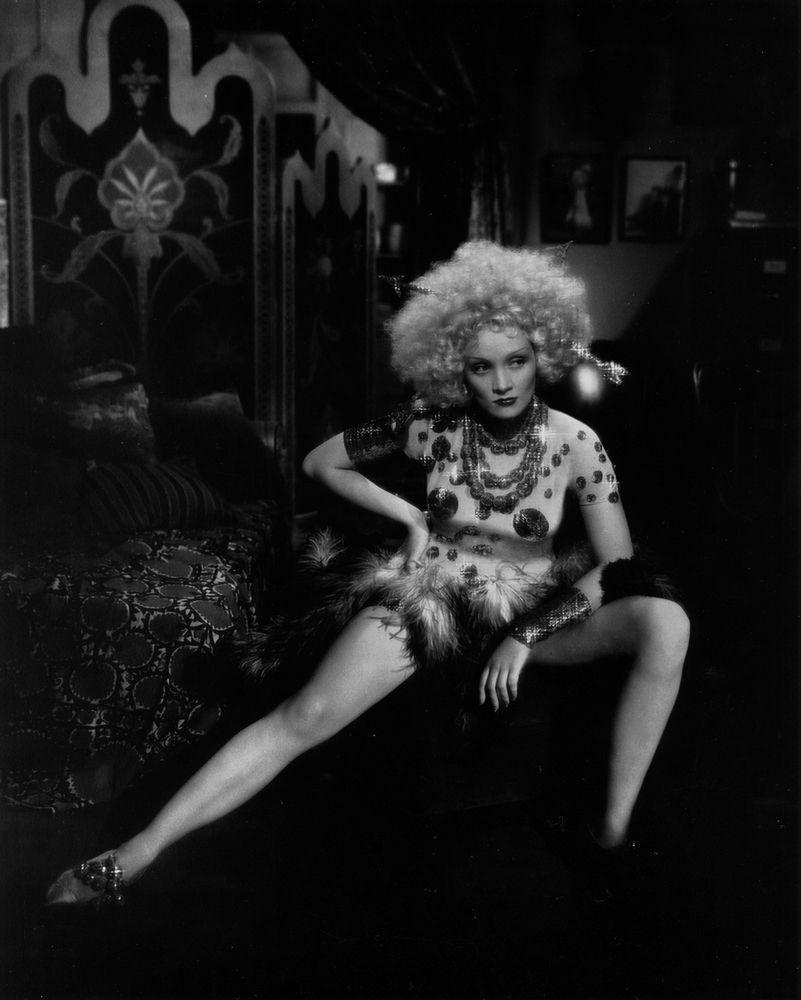 Marlene Dietrich in Blonde Venus (1932) | Marlene dietrich, Burlesque  fashion, Dietrich