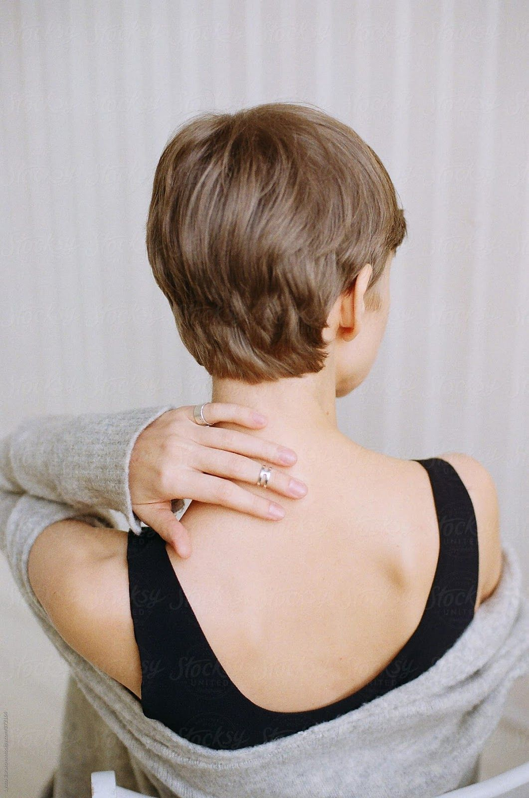 Click Image To View More About Back Of Head Short Hairstyle Short Hair Styles Popular Short Hairstyles Short Hair Back