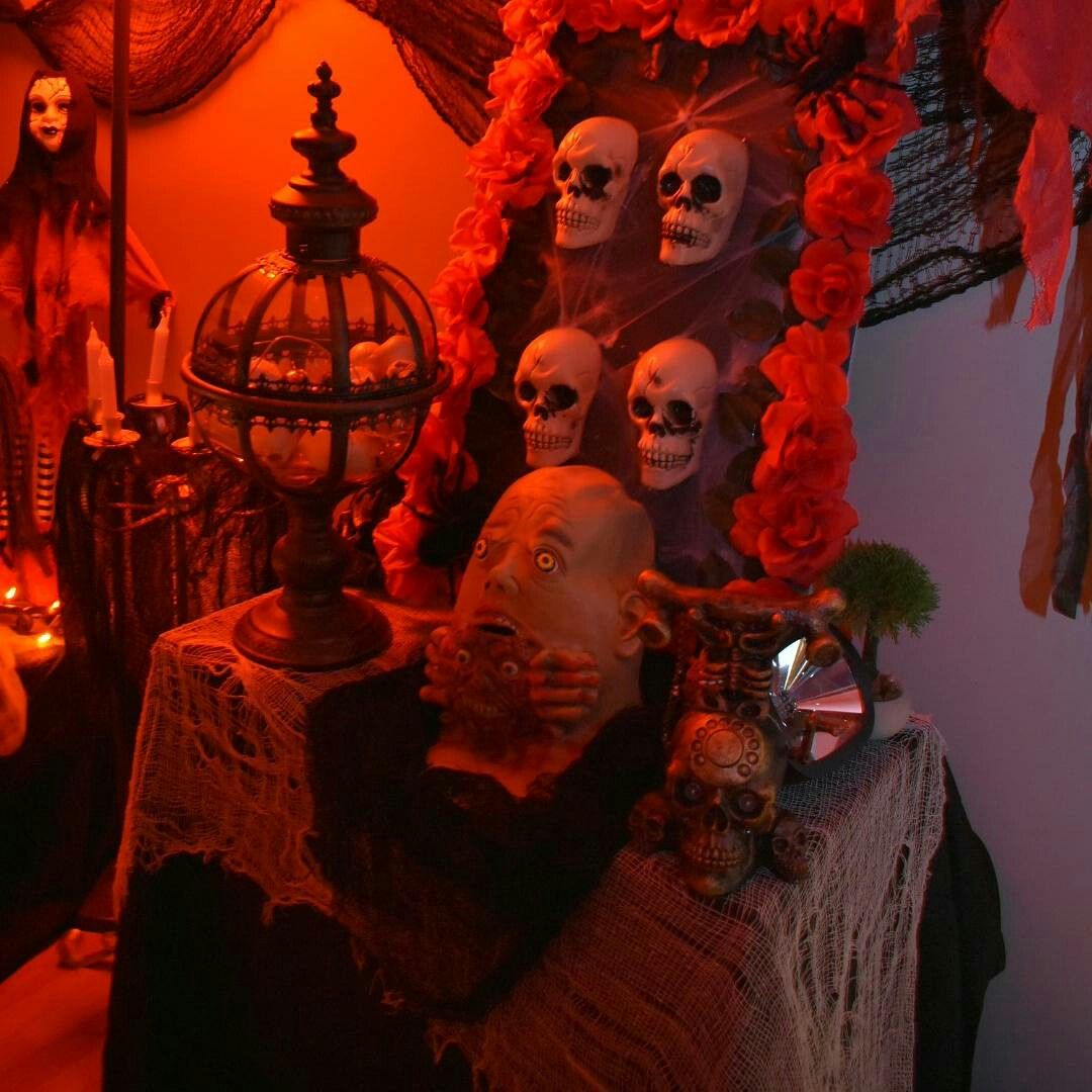 Scary Halloween decorSkulls, ghouls, roses, bones Halloween - scary halloween decor