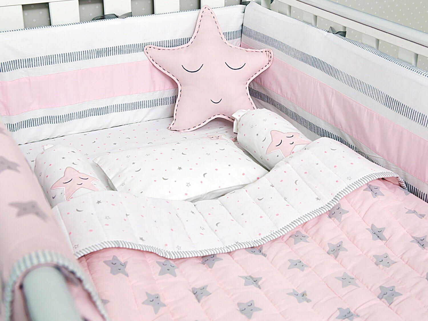 Pink Star Organic Cot Baby Bedding Set With Images Baby