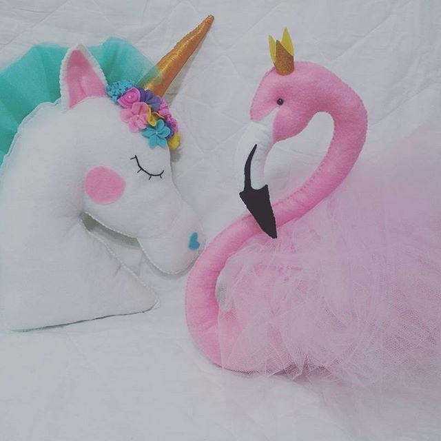 Armario Kit Verona ~ Almofadas unicórnio e flamingo de feltro #flamingo #