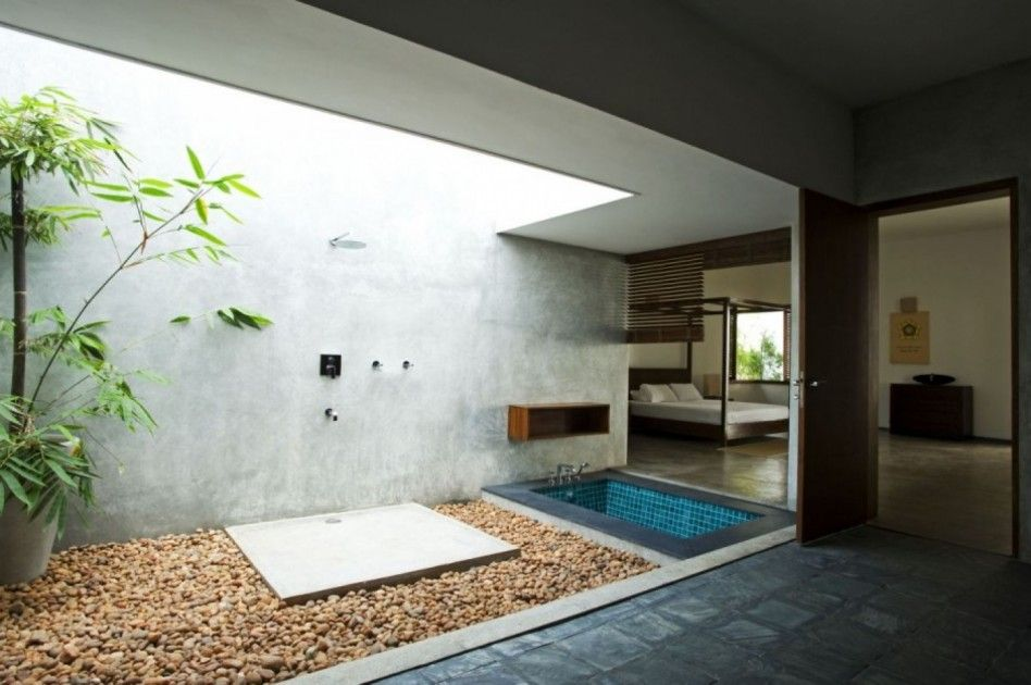 Bathroom. Modern Interior Bathroom Design Feature Coral Inner Yard With  Bamboos Planting And Block Floor
