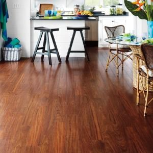 Pergo Xp Peruvian Mahogany 10 Mm Thick X 4 7 8 In Wide X 47 7 8 In Length Laminate Flooring 13 1 Sq Ft Case