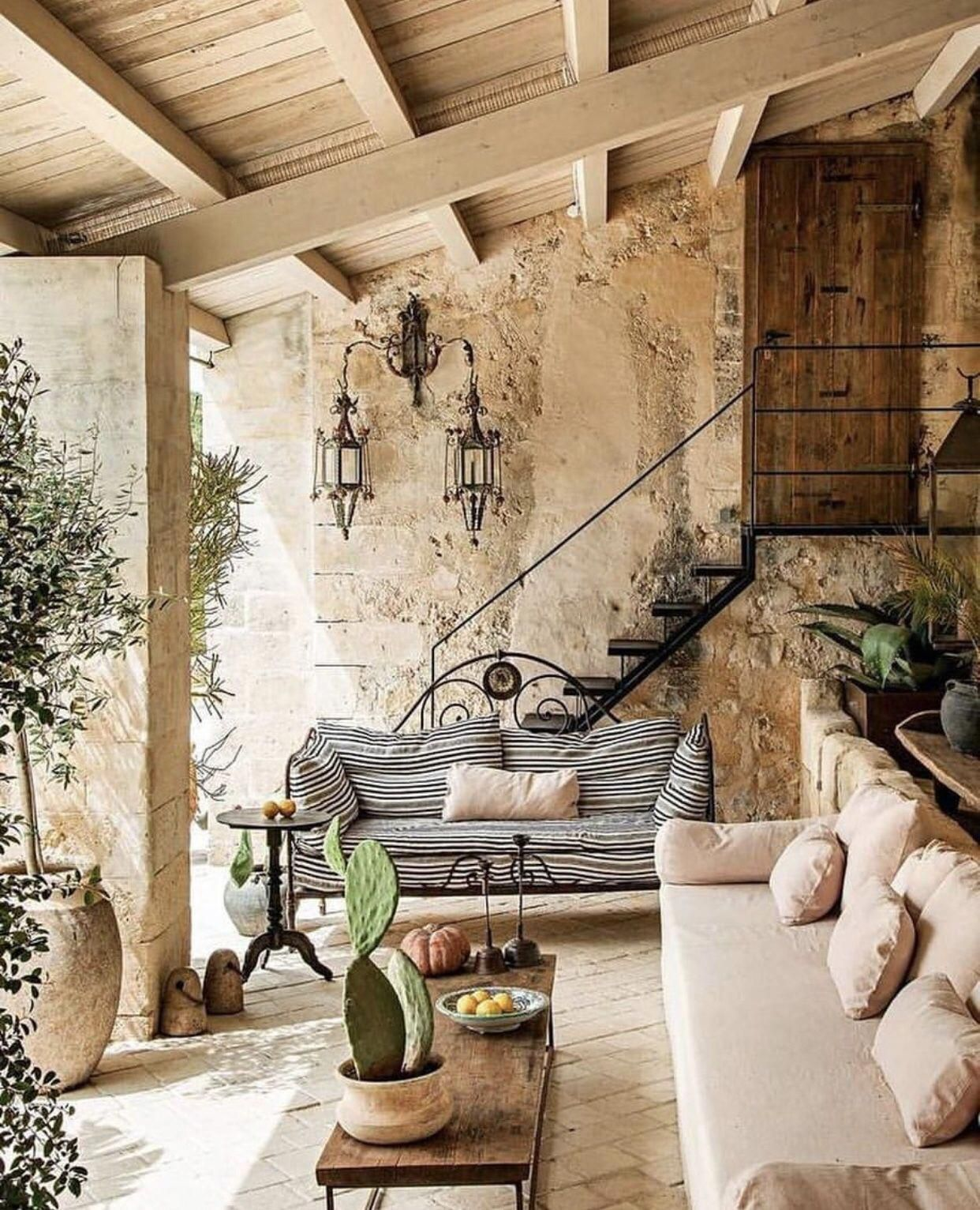 Tuscan Decor On A Budget Tuscandecor Tuscan Decorating Outdoor Rustic House