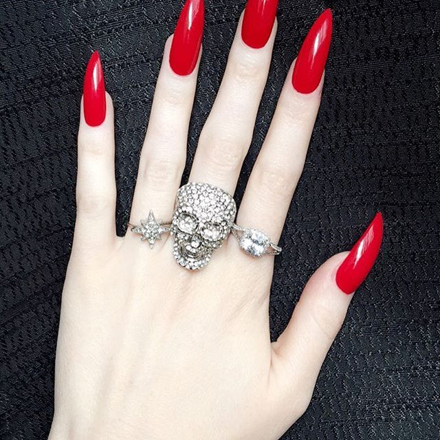 Red Stiletto Nails Red Stiletto Nails Long Red Nails Red Nails