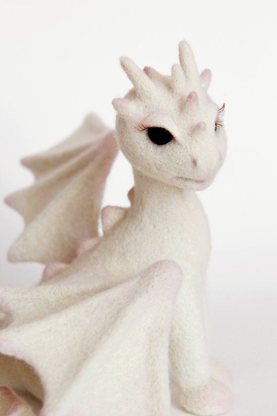 Needle felted dragon, game of thrones fan gift, geek decor, mystical creature, fantastic animal figurine, collectible fairy animal sculpture