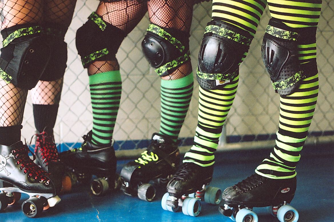 Derby Girls Roll With The Punches Creighton Street On Wordpress Com Roller Derby Girls Roller Derby Derby Girl