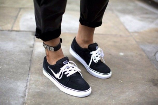 shoes black white nike trainers black shoes cool jeans tumblr sport