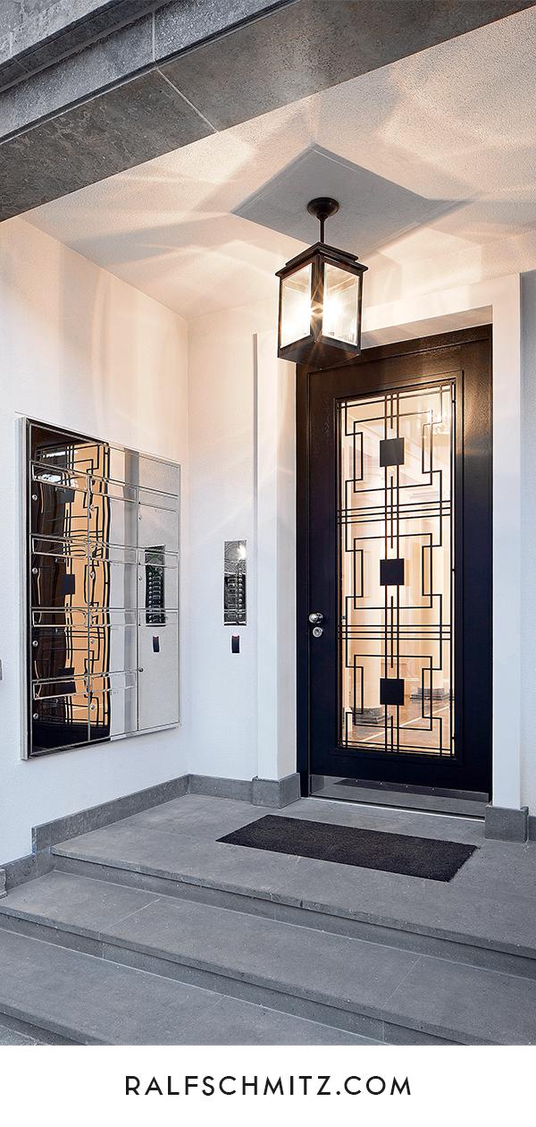 Luxuriöser Eingangsbereich Klingeltableaus und