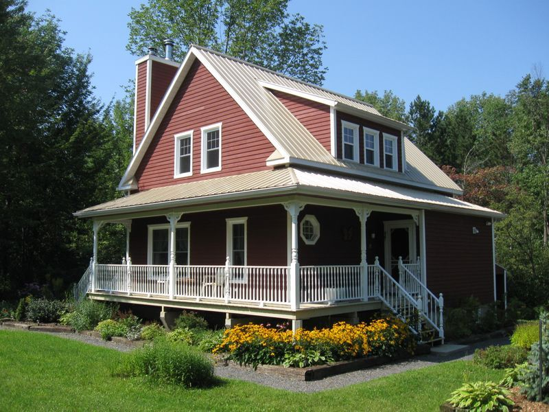 Maison De Campagne A Sutton Maison Exterieure Maisons