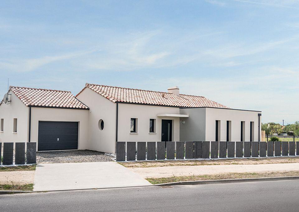 Epingle Par La Compagnie Du Logement Sur Nos Realisations Constructeur Maison Construction Maison Maison