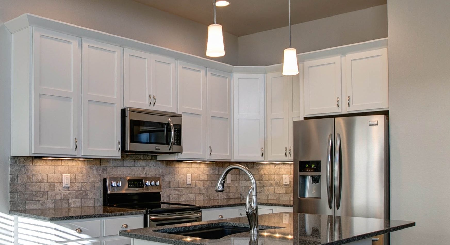 white maple shaker cabinets cabinet style only not kitchen layout white shaker cabinets on kitchen cabinets not white id=14516