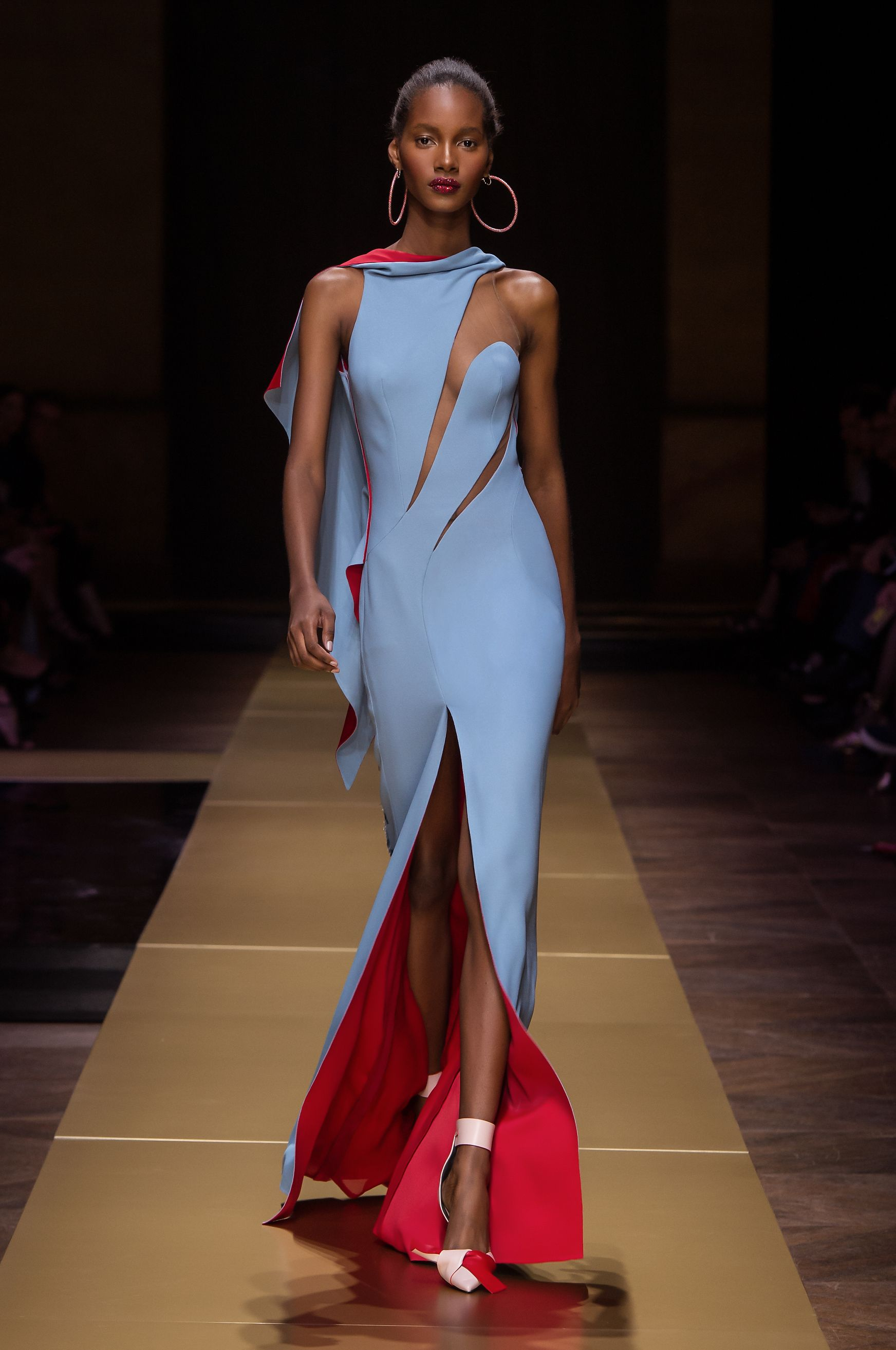 Fashion style Versace Atelier haute couture collection winter fall for woman