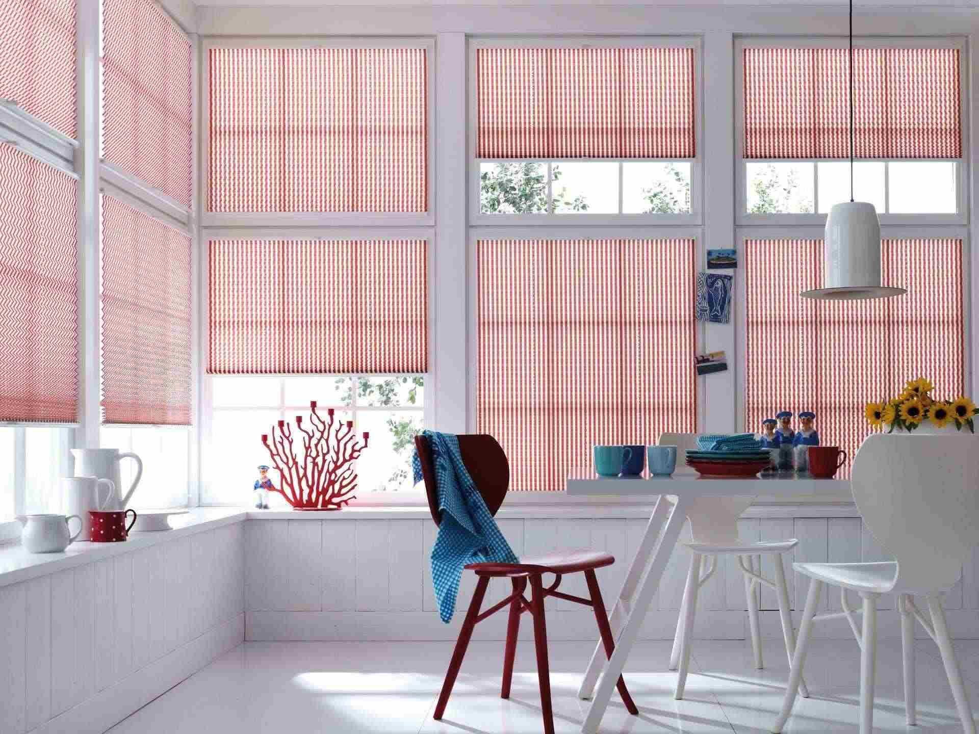 Moderne plisse gordijnen in keuken sfeerwand klasiek nieuwe