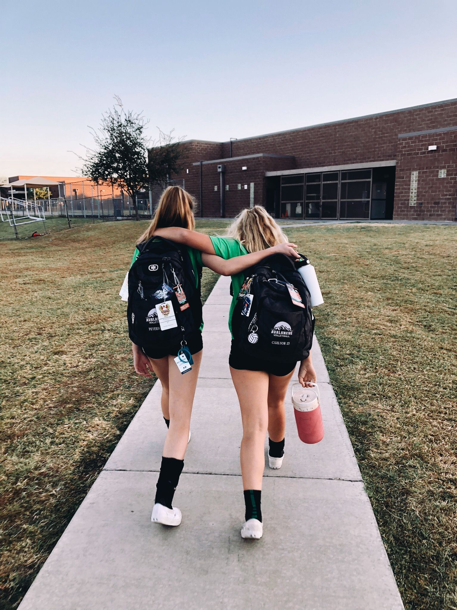 Follow Julianadawdyyy For More Like This Friend Photos Friend Photoshoot Best Friend Pictures