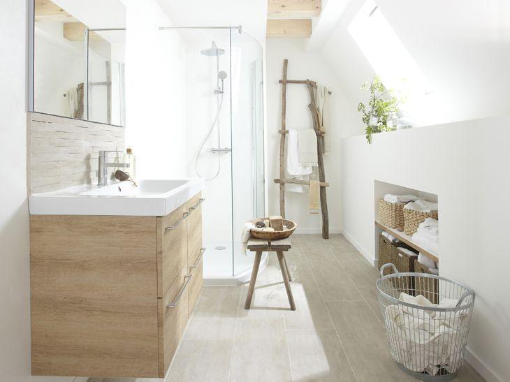 Salle d\'eau avec carrelage imitation parquet | Idées de salle de ...