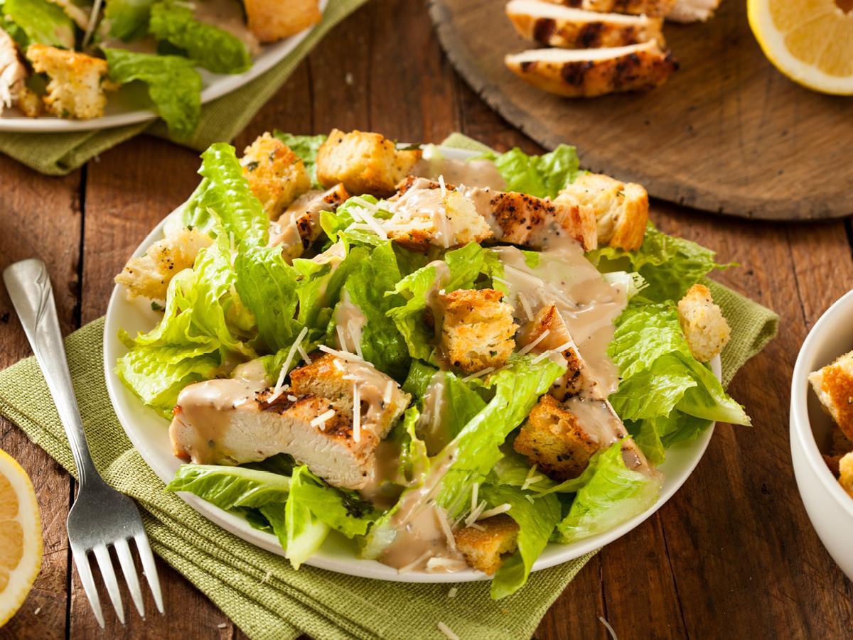 Caesar Salad mit Hähnchenbrust | Rezeptideen, Lecker schmecker und ...