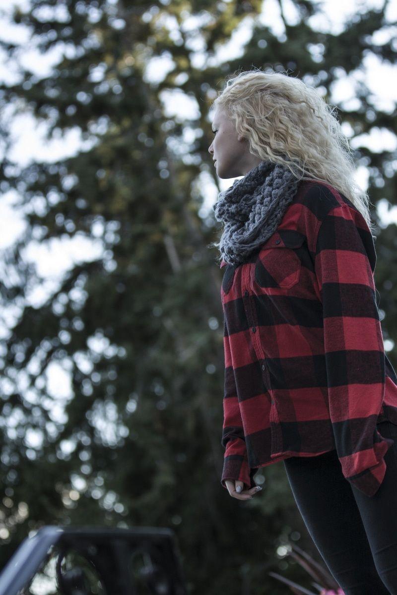 Submission by Sebastian Voortman. Discover more free photos from Sebastian: https://www.pexels.com/u/sebastian-voortman-44106/ #woman #girl #trees
