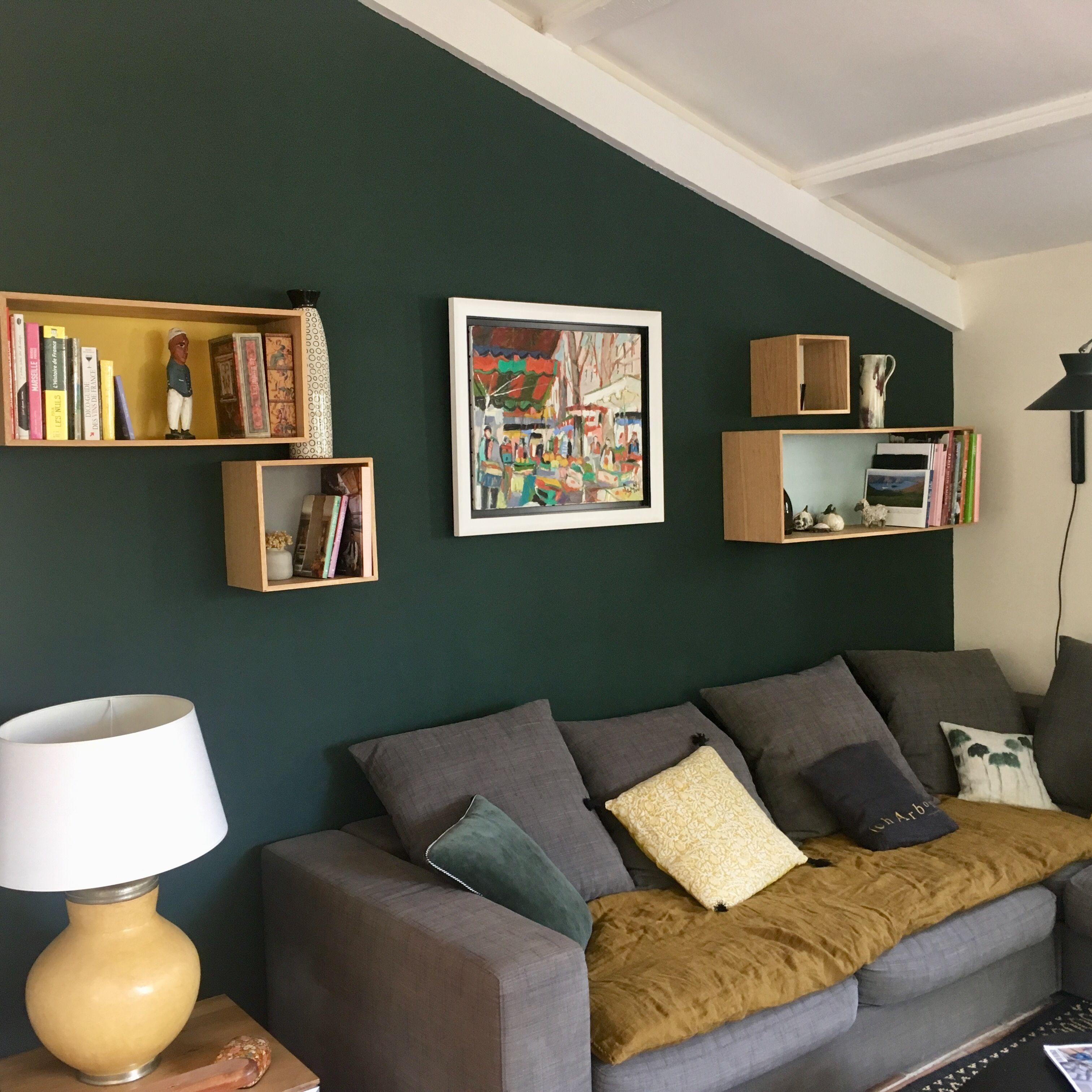 Salon Cosy Dans Les Tons De Vert Salon Vert Vie Confortable Deco Salon