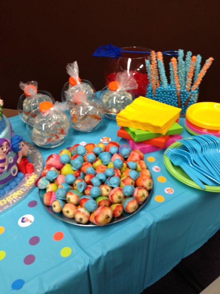 Pinrest Bubble Guppies Centerpieces