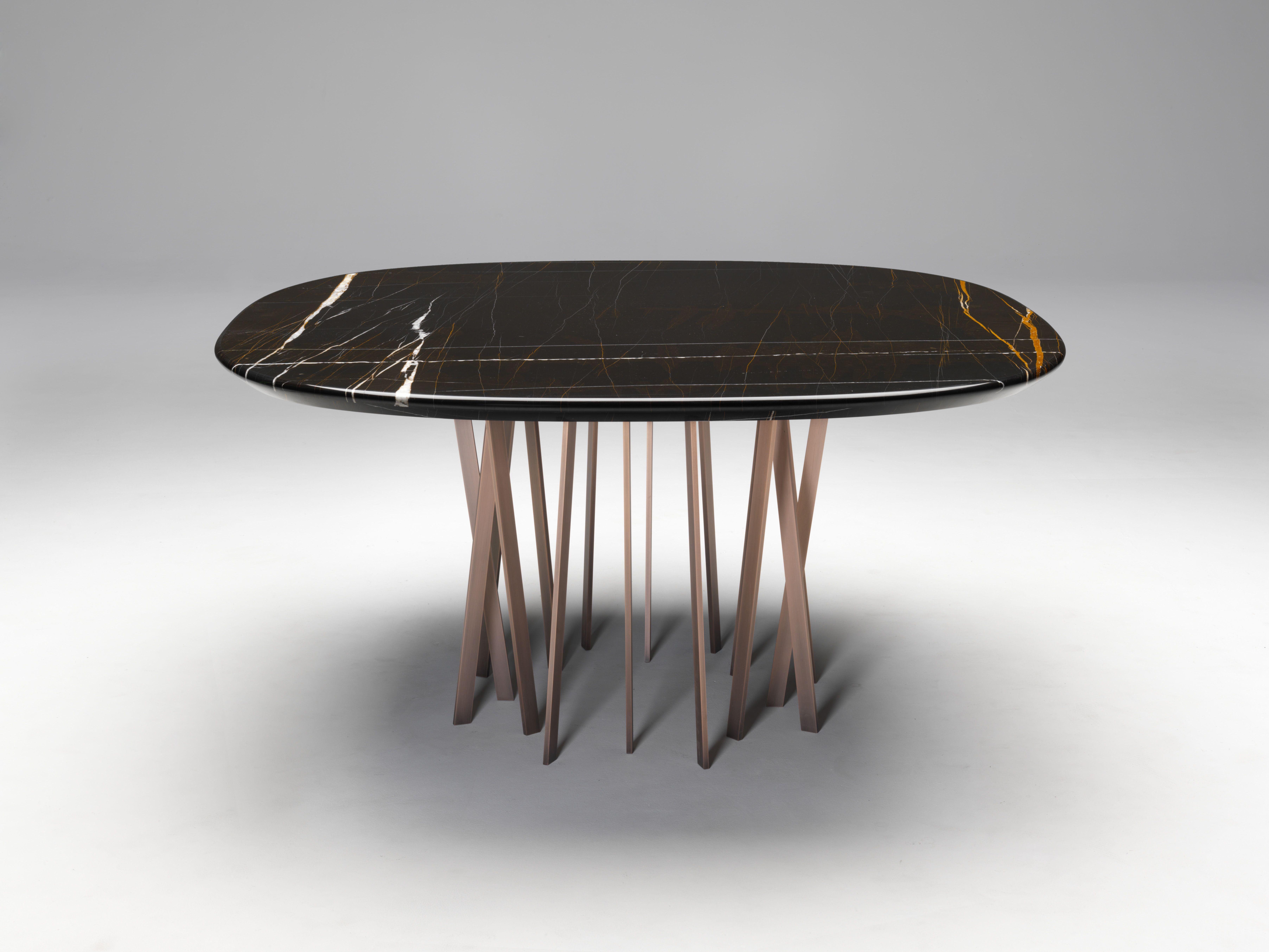 Tavoli Di Plastica Quadrati.Table Interiors Pinned By Treniq Com Vetrine Tavolo Ruggine