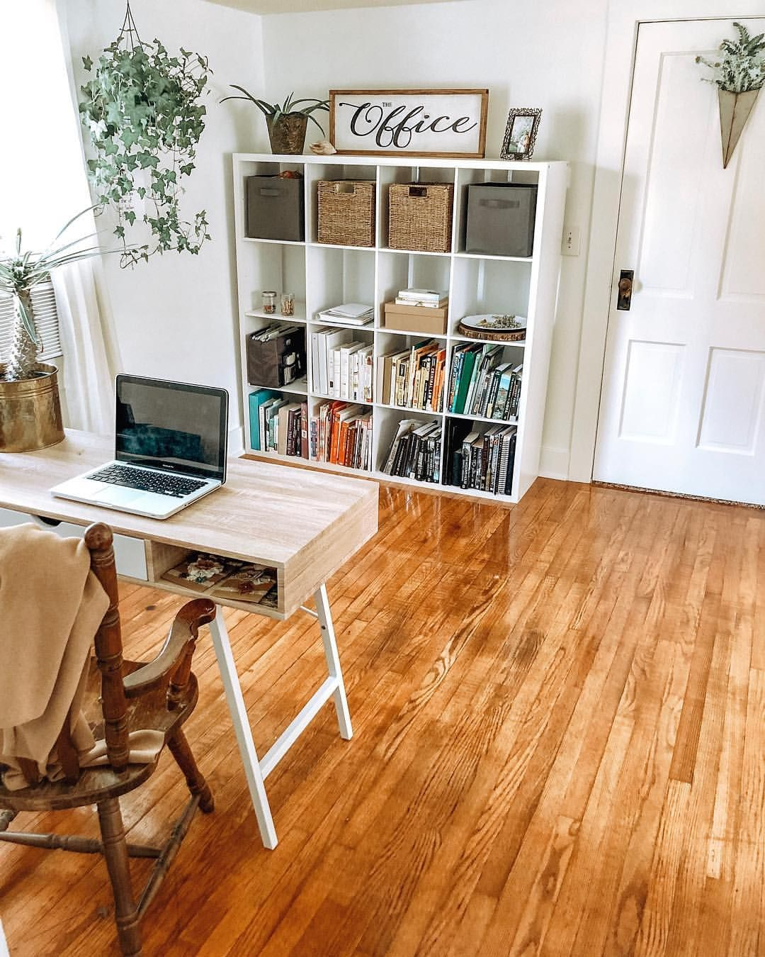 Eclectic, Simple, Minimalist Office Space