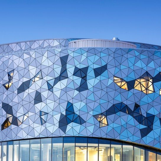 the-new-zas-architects–designed-bergeron-centre-at-york-university-used-an-algorithm-to-create-its-beautiful-design-02.jpg