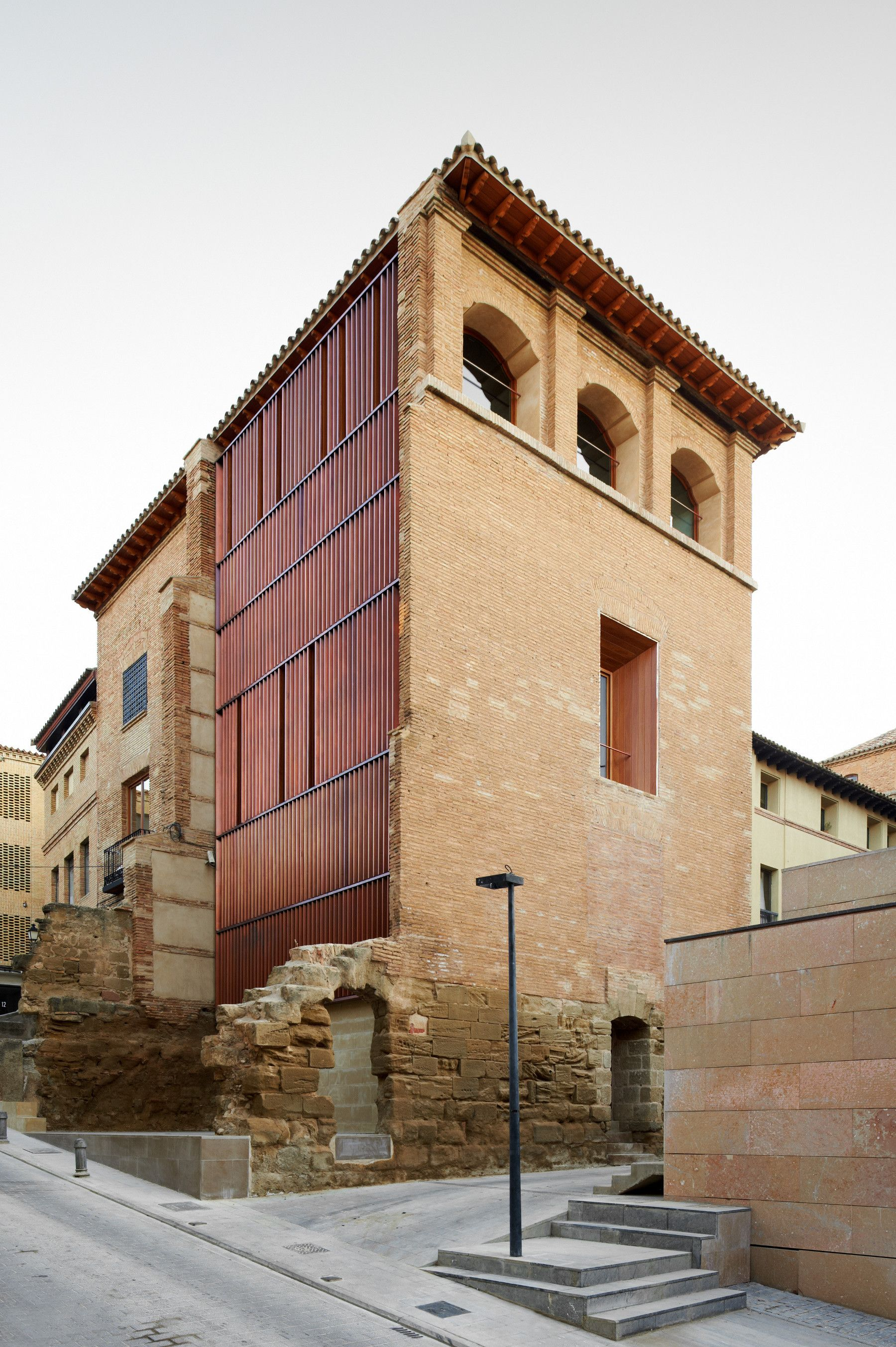 Refurbishment of the West Tower in Huesca City Hall, Spain