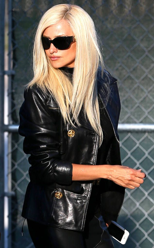 3757be748f0 The actress sports a blonde wig as she plays Donatella Versace on the set  of Versace  American Crime Story in Miami