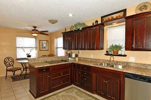 Contemporary 3-bedroom Tulsa home in Union School district ...