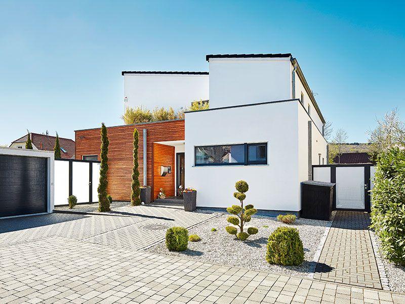Spannende Architektur mit Pultdach und knapp 200