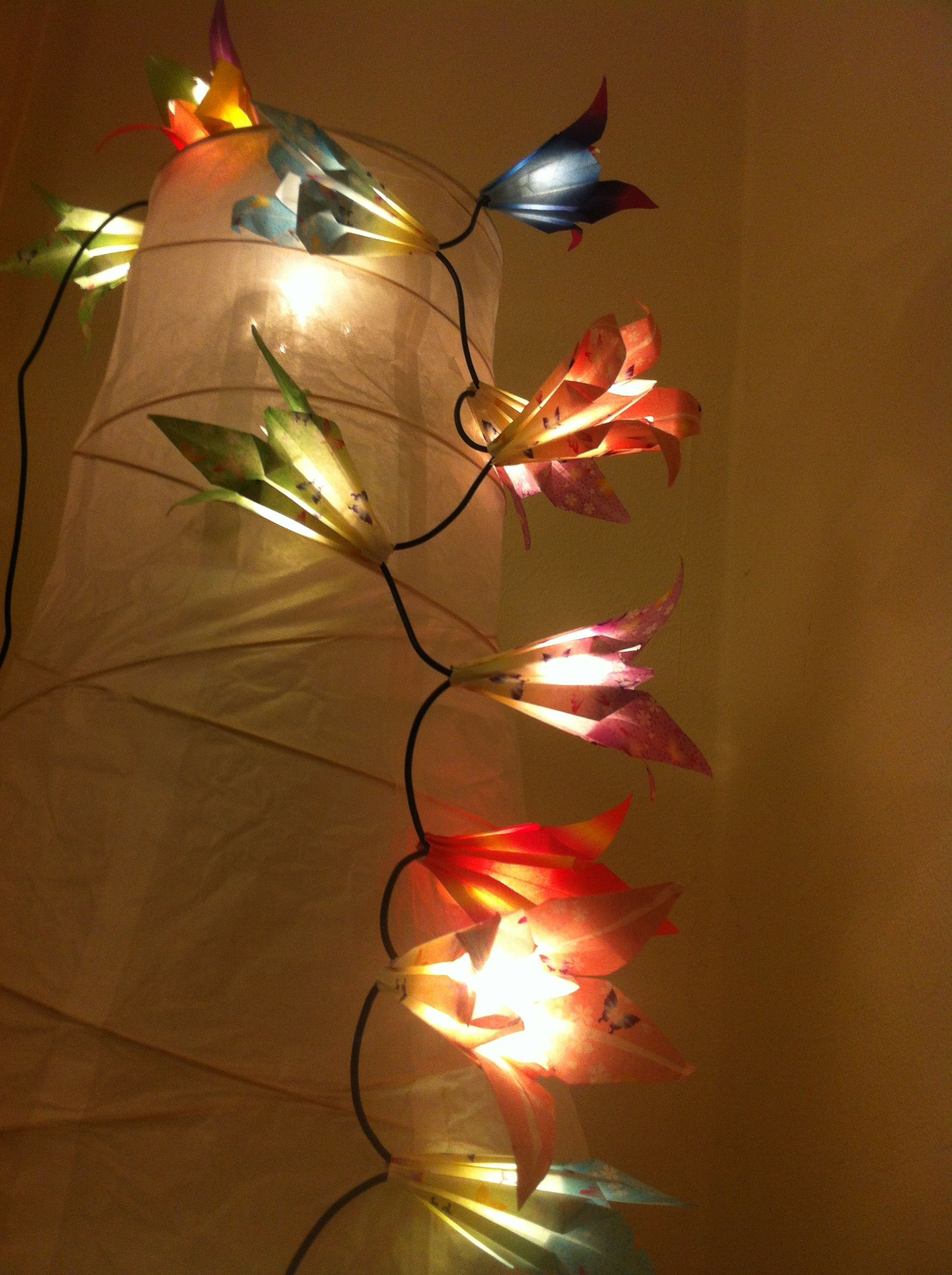 cute origami flower fairy lights i can 39 t wait to try. Black Bedroom Furniture Sets. Home Design Ideas
