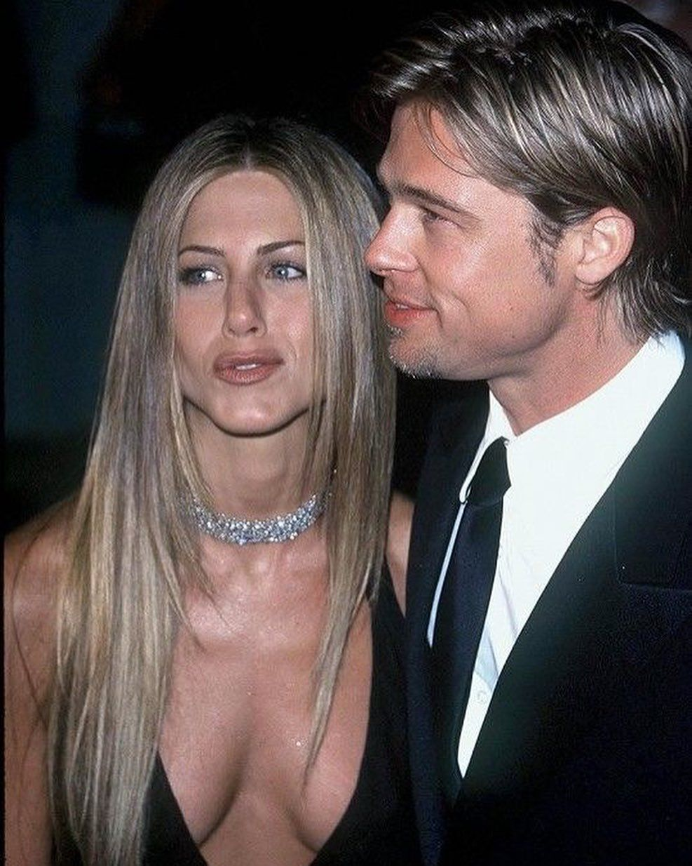 Jen And Brad Aren T My Favorite Couple But They Were Attractive And Adorable Together Bac Jennifer Aniston Pictures Jennifer Aniston Style Jennifer Aniston Hot